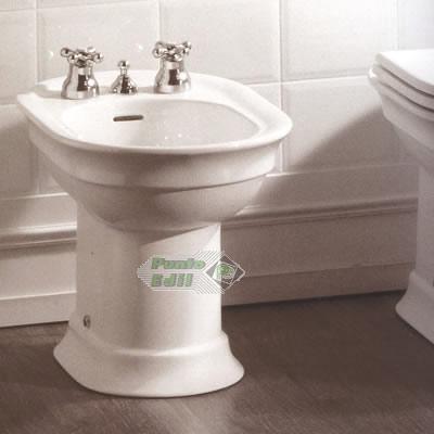 Bagno Stile Antico: Vasche metalliche: design e solidità.