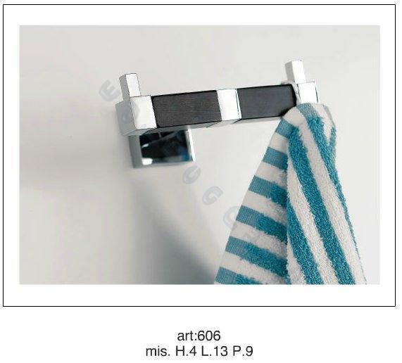 Accessori bagno design moderno porta accappatoio quadra in for Accessori per bagno moderno