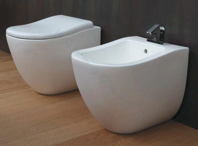 Sanitari bagno fluid water bidet e coprivaso filo muro parete bianco lucido ebay - Costo water bagno ...