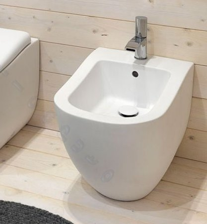 Sanitari bagno fluid bidet filo muro parete bianco lucido for Sanitari filo parete
