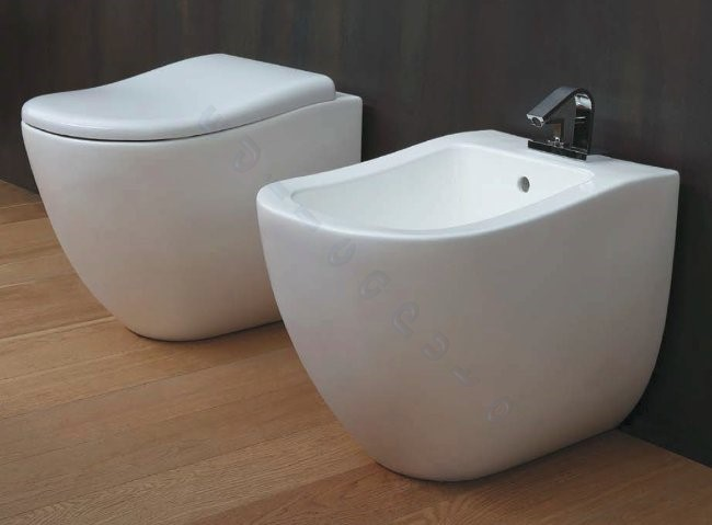 Sanitari bagno fluid water bidet e coprivaso filo muro for Sanitari bagno